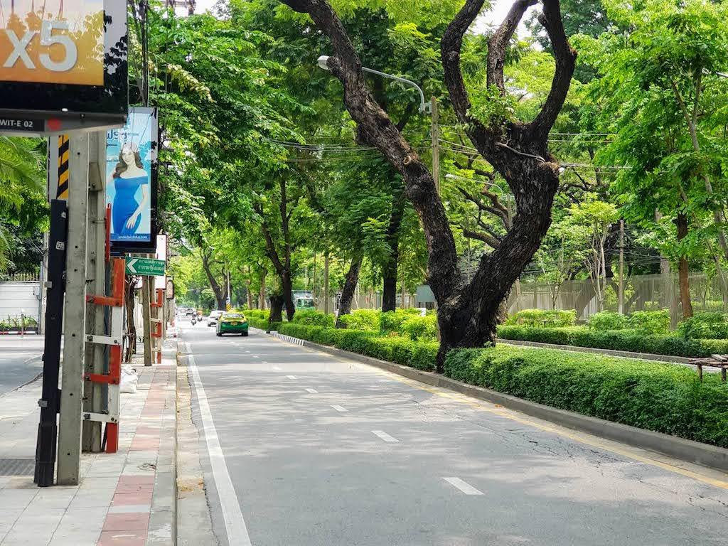 バンコク_プルンチット_Bangkok _ワイヤレス通り(別名ウィッタユ通り)タイランドピックス