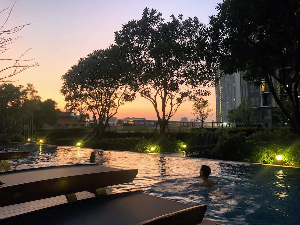 Bangkok-Onnut_Ideomobi81_Pool 2
